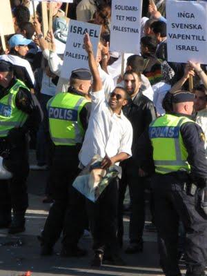 muslim hitler salute in stockholm