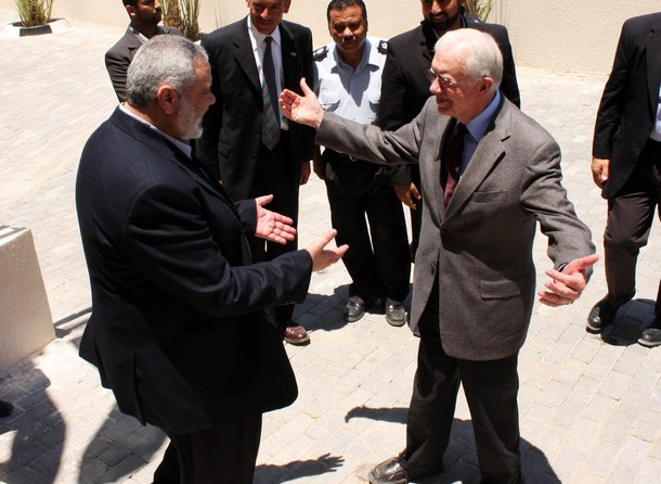 Carter Meets With Hamas Leader in Gaza