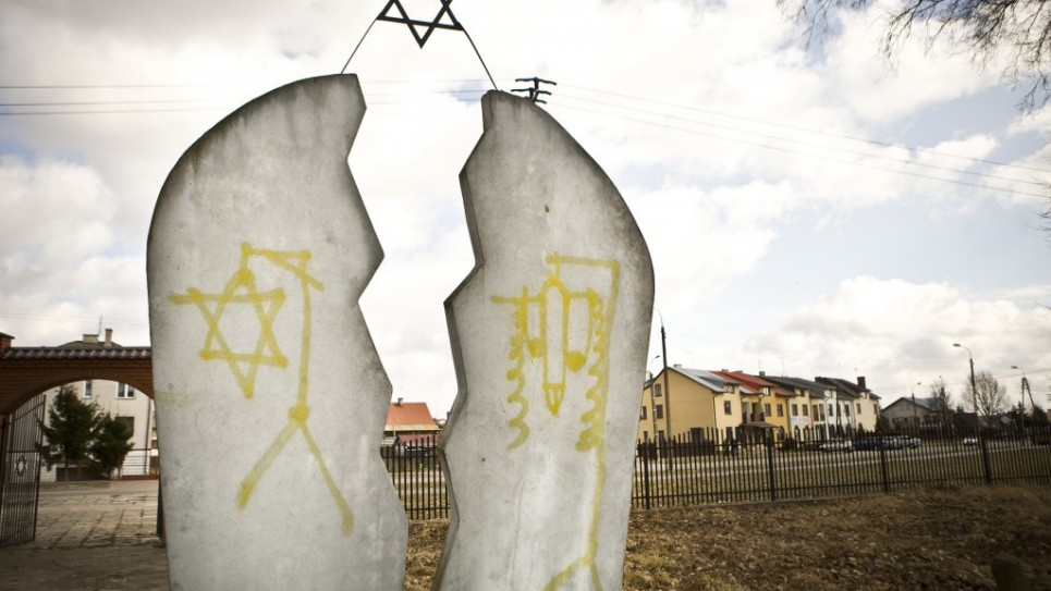 Poland-Anti-Semitism_Horo-965x543