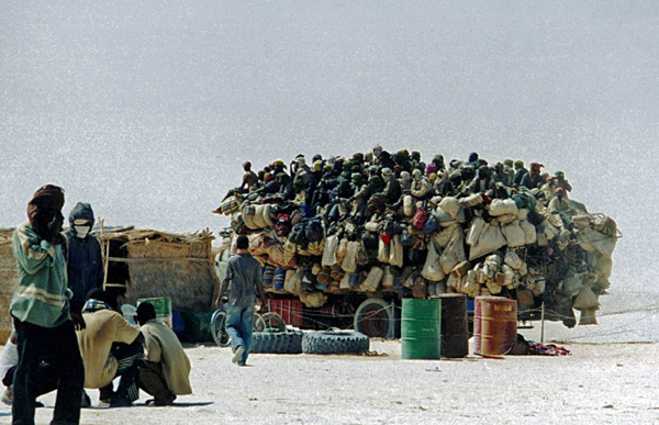 Migrants de retour de Libye (Dirkou, Niger 2004) Julien Brachet