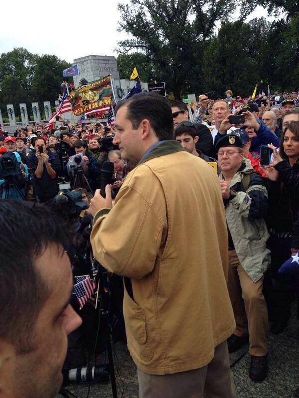 ted cruz shows up to support the vets 13.10.2013