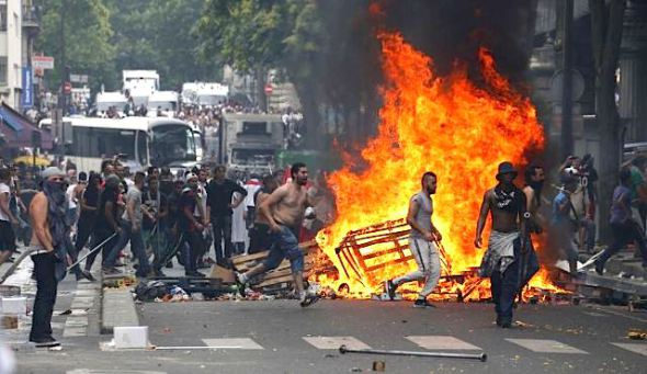 paris-erupts-anti-israel