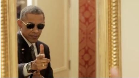 obama gun fingers