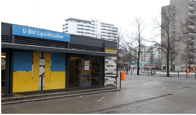 KIOSK IN GERMANY SELLING BOOZE ATTACKED BY TARDS