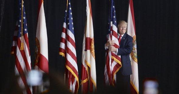 trump-n-flag