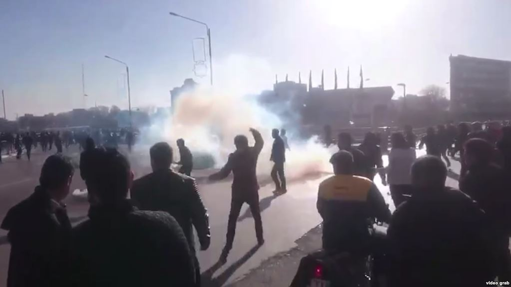 http://tundratabloids.com/wp-content/uploads/2017/12/iranian-protests.jpg